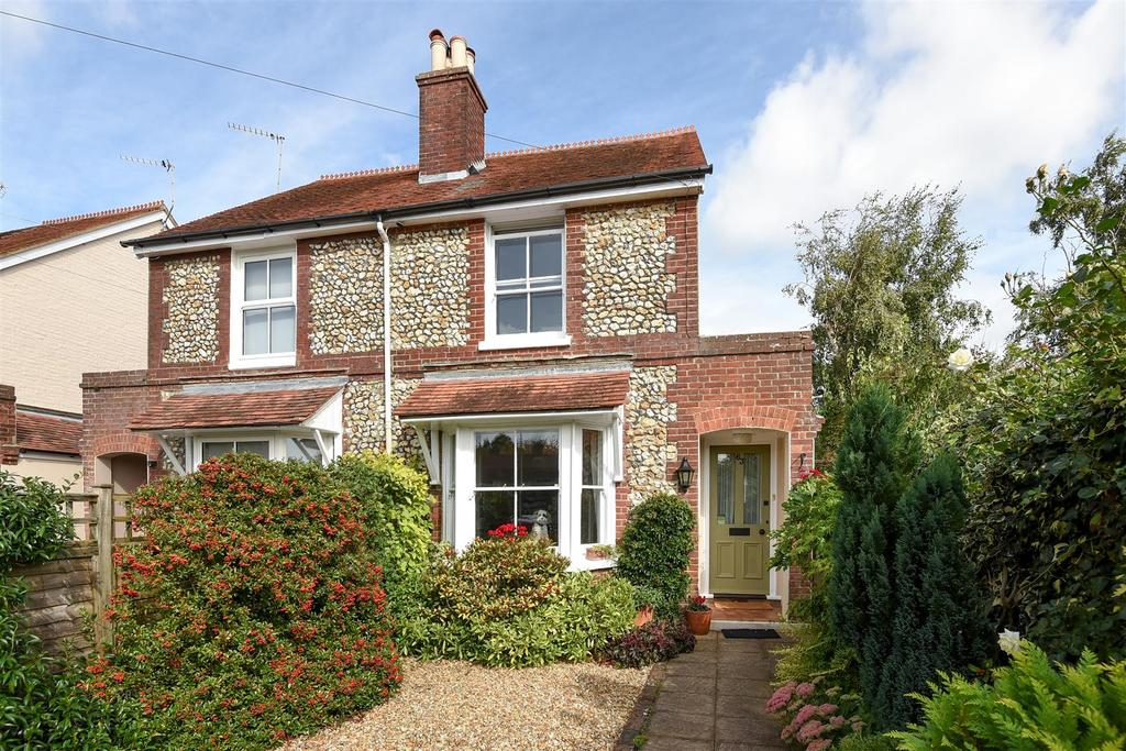 3 Bedrooms Semi Detached House for sale in The Broadway, Chichester