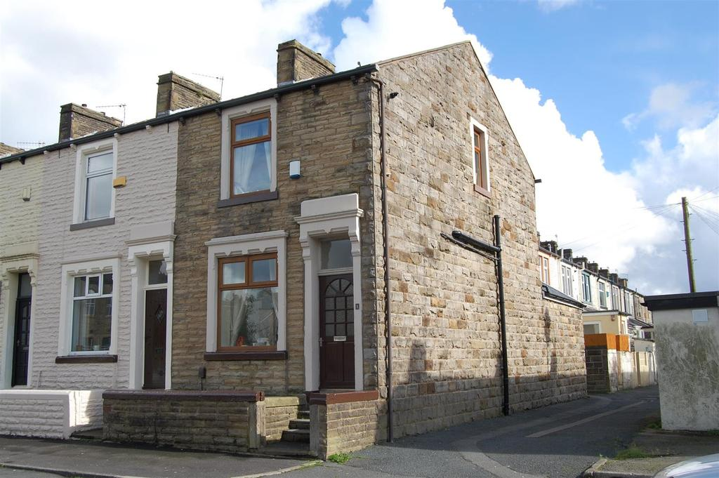 3 Bedrooms Terraced House for sale in Claremont Street, Burnley