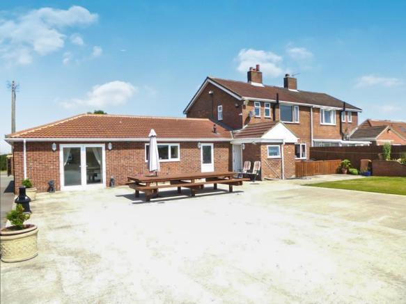 5 Bedrooms Semi Detached House for sale in Newholme Estate, Station Town, Wingate TS28