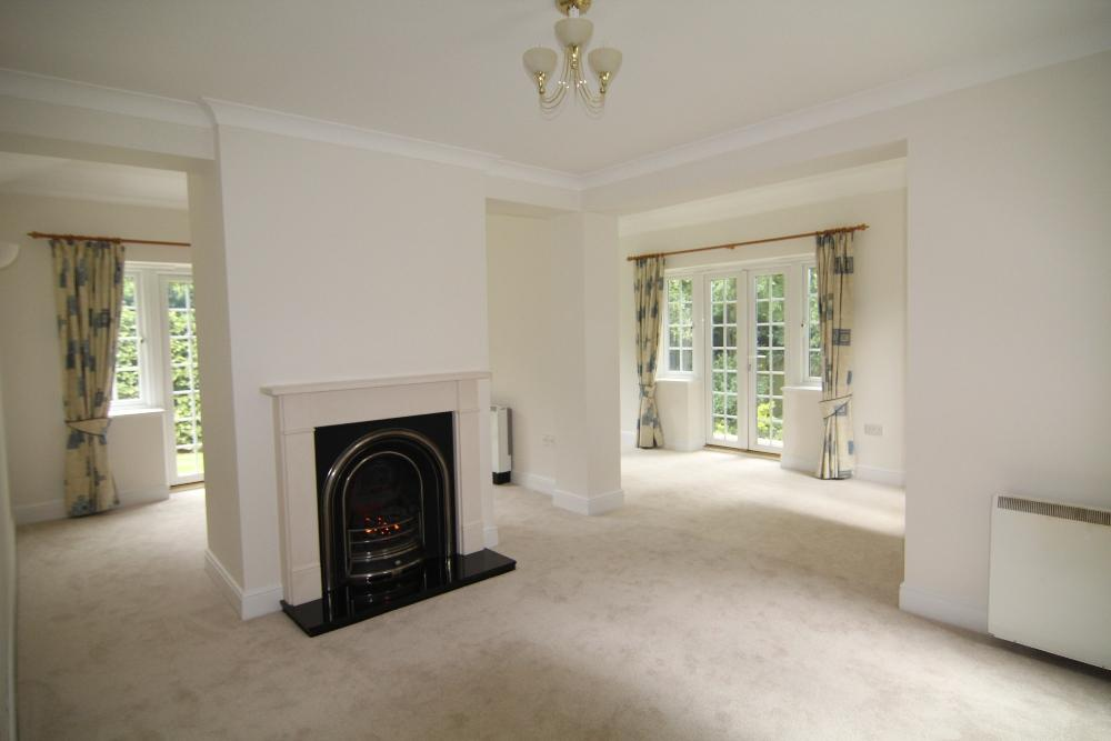2 Bedrooms Semi Detached House for sale in Harding Place, Glebelands Road, Wokingham, Berkshire, RG40 1BX