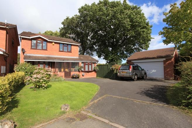 4 Bedrooms Detached House for sale in 4 Ivatt Close, Dawley, Telford, TF4 3SY