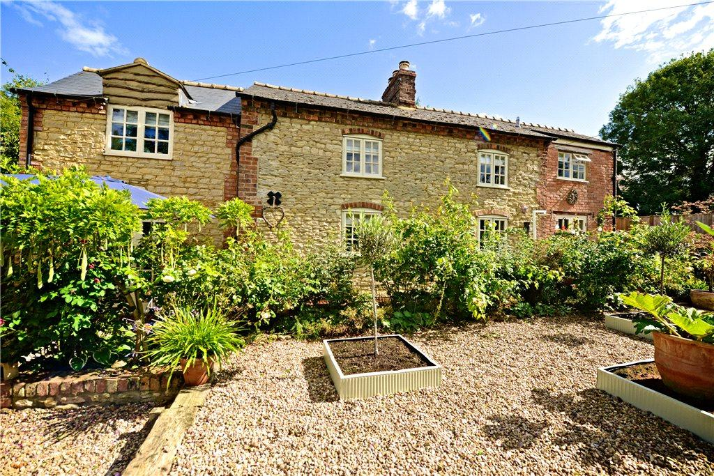 3 Bedrooms Detached House for sale in Forest Road, Piddington, Northamptonshire