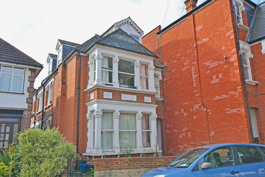 1 Bedroom Flat for sale in Denton Road, East Twickenham