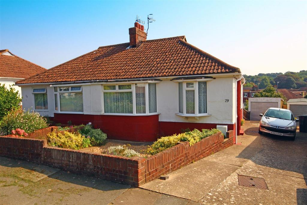 2 Bedrooms Semi Detached Bungalow for sale in Applesham Way, Portslade, Brighton