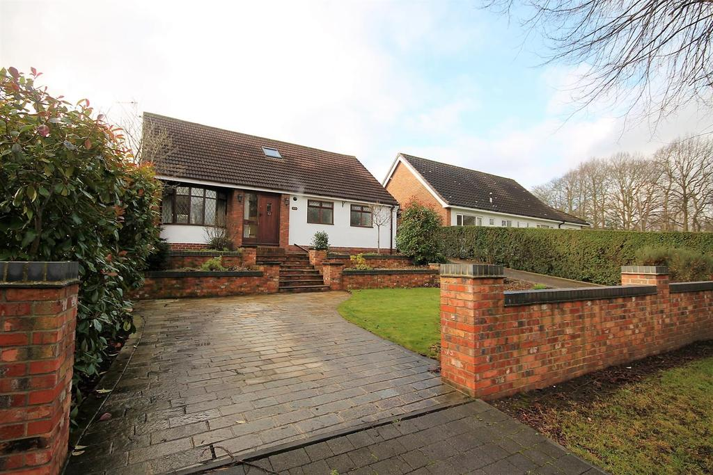 3 Bedrooms Detached Bungalow for sale in Wolviston Road, Billingham
