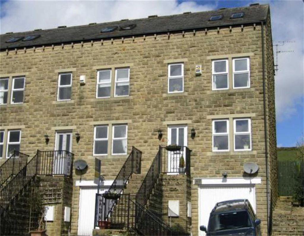 3 Bedrooms Town House for sale in Broadfield Park, Holmbridge, Holmfirth, HD9