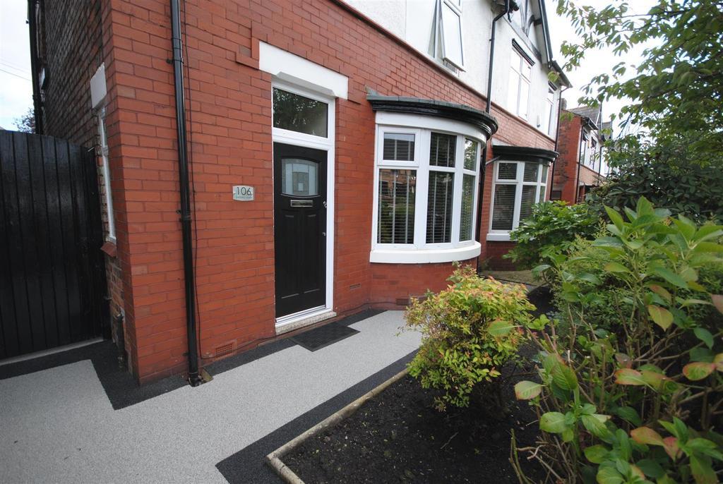 3 Bedrooms Semi Detached House for sale in Swinley Lane, Swinley, Wigan