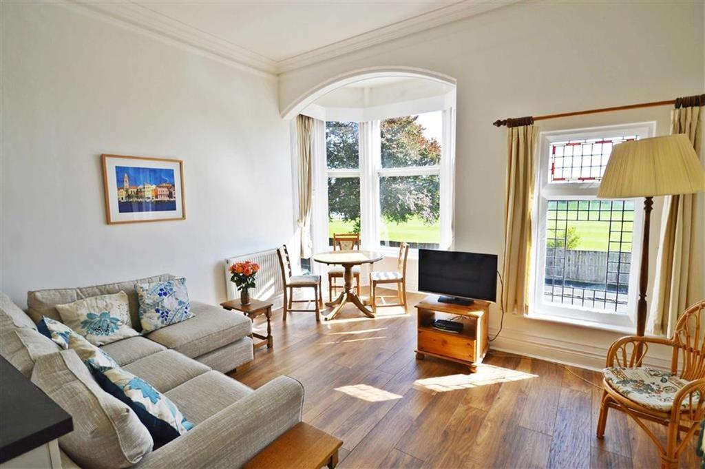2 Bedrooms Flat for sale in 7 Belvedere Road, Scarborough
