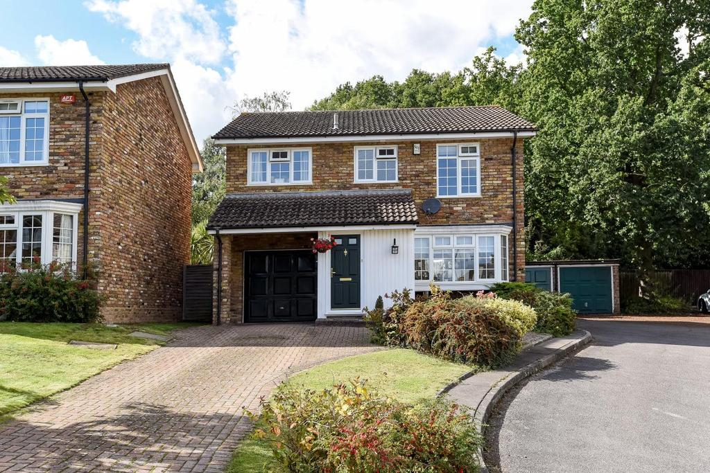 4 Bedrooms Detached House for sale in Sedgewood Close, Hayes