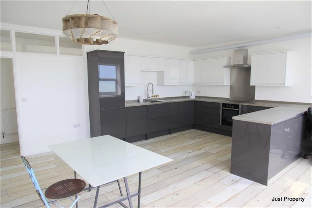3 Bedrooms Flat for sale in Grand Parade, St Leonards On Sea