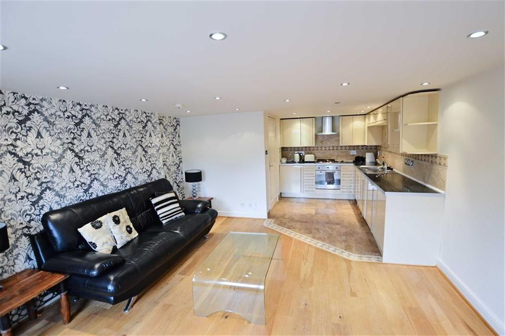 2 Bedrooms Apartment Flat for sale in Limehurst, Bowdon, Cheshire, WA14