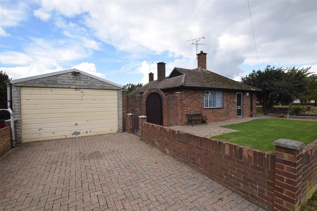 2 Bedrooms Bungalow for sale in Lawlinge Road, Latchingdon,