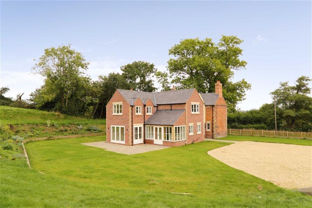 4 Bedrooms Detached House for sale in Hollywell House, Stanwardine, Shrewsbury, SY4