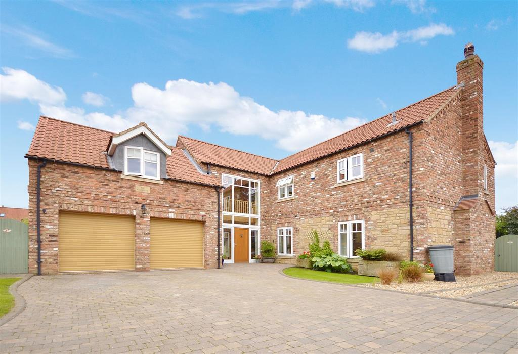 5 Bedrooms Detached House for sale in Slate Farm Close, Bishop Norton, Market Rasen