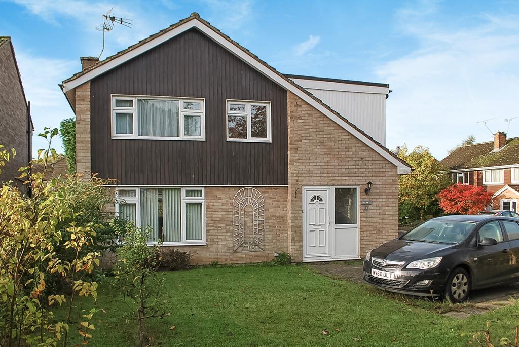 4 Bedrooms Detached House for sale in Wood End, Horsham, RH12