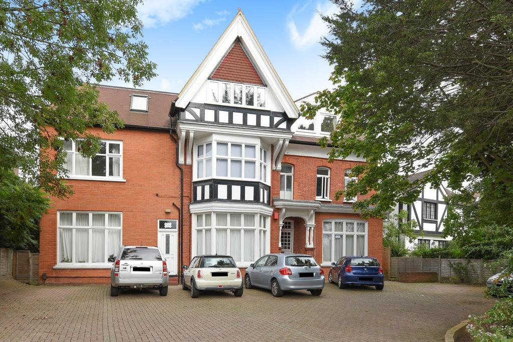 3 Bedrooms Flat for sale in Park Hill Road, Shortlands
