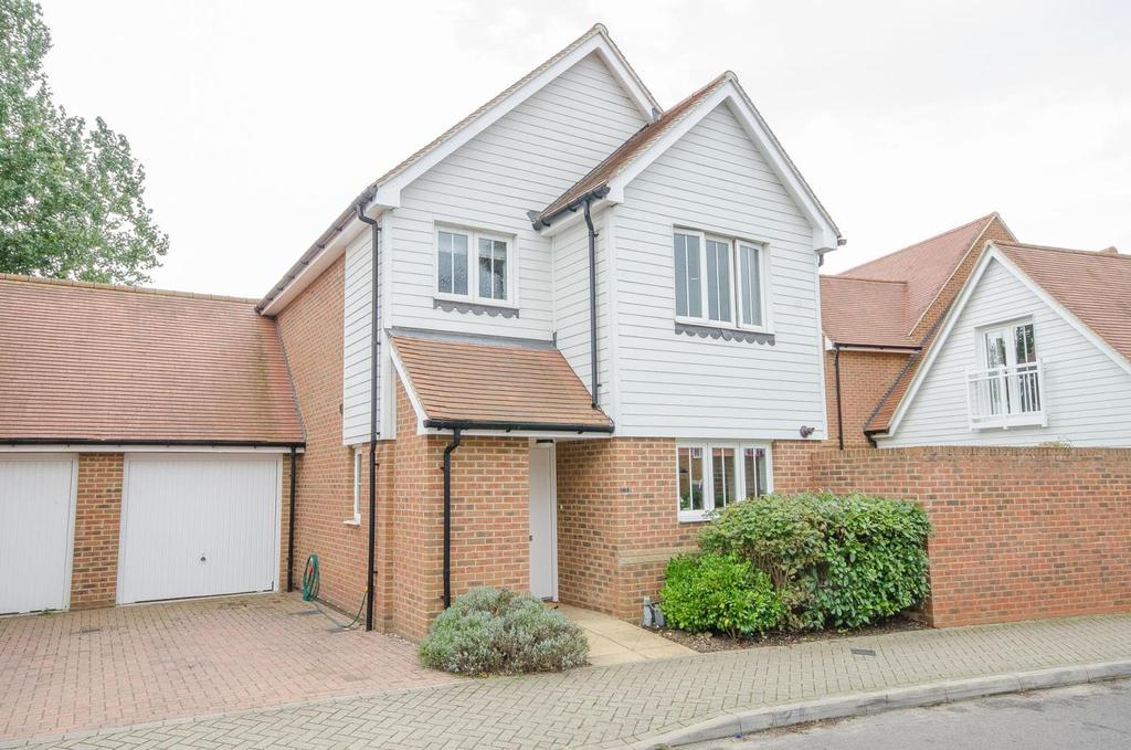 3 Bedrooms Detached House for sale in Leonard Gould Way, Maidstone, Kent