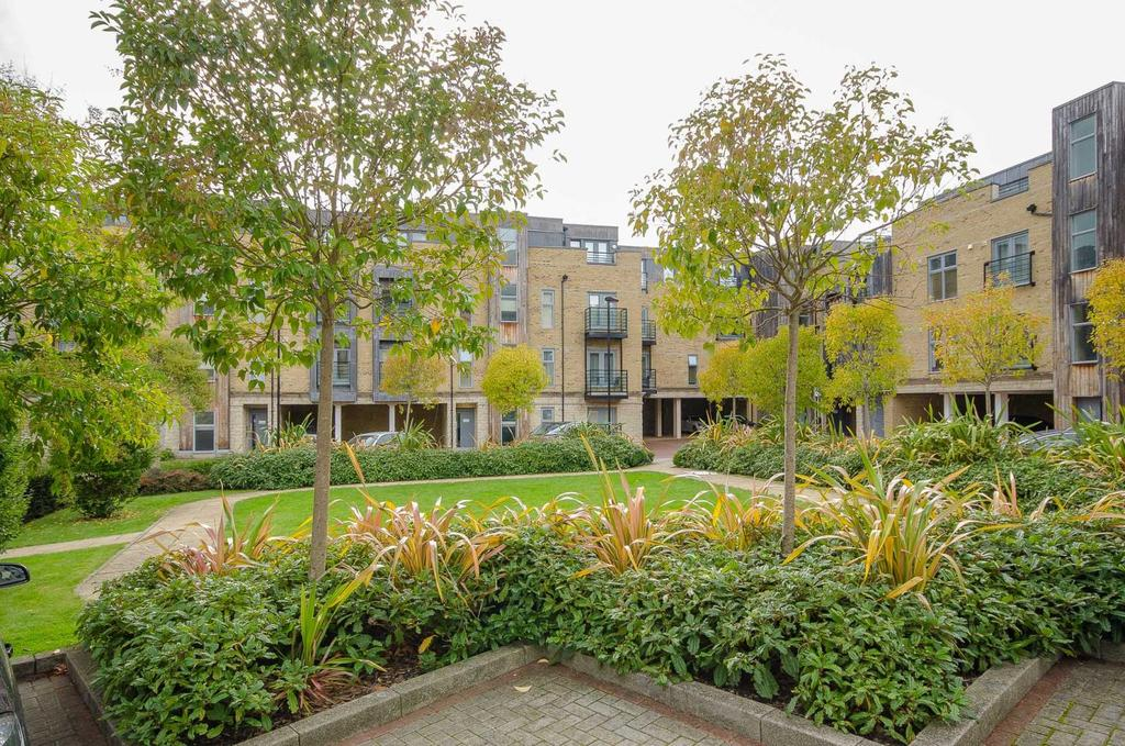 2 Bedrooms Apartment Flat for sale in Hales Court, Church Street, Maidstone, Kent