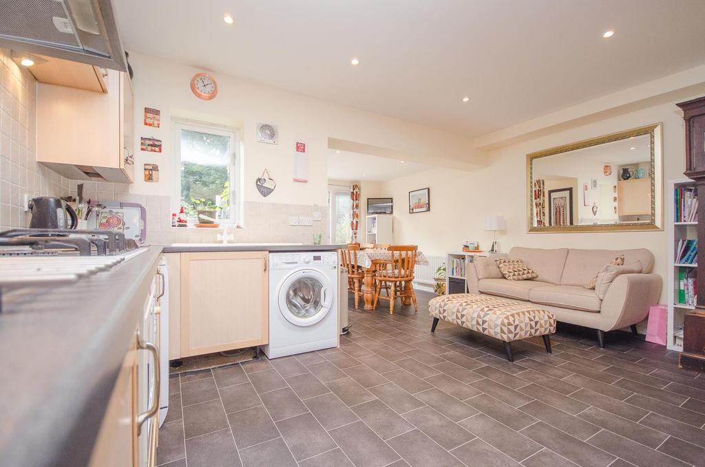 4 Bedrooms End Of Terrace House for sale in Kings Walk, , Maidstone , Kent