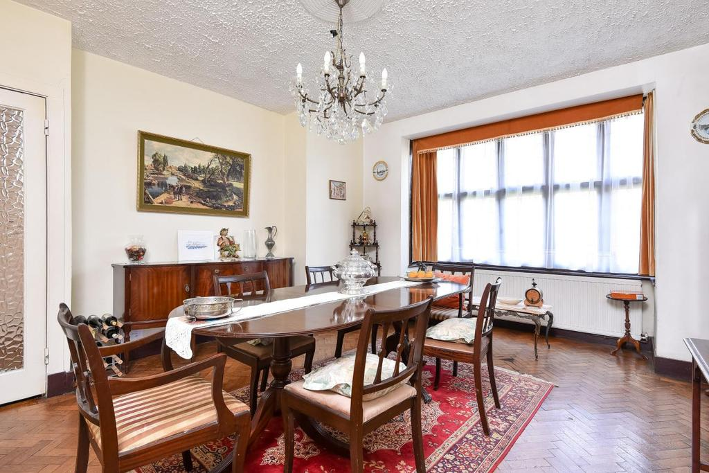 4 Bedrooms Semi Detached House for sale in Weir Road, Balham
