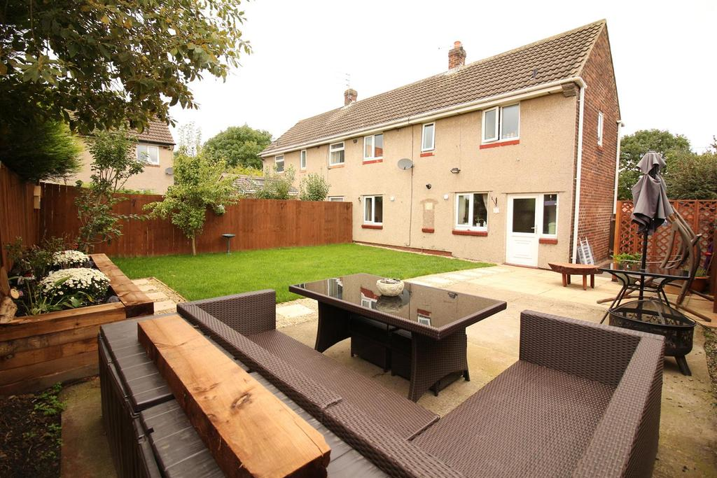 2 Bedrooms Semi Detached House for sale in Greenside Avenue, Brunwick Village, Newcastle upon Tyne