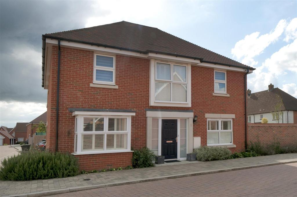 4 Bedrooms Detached House for sale in Vincent Drive, Kings Hill, ME19 4QX