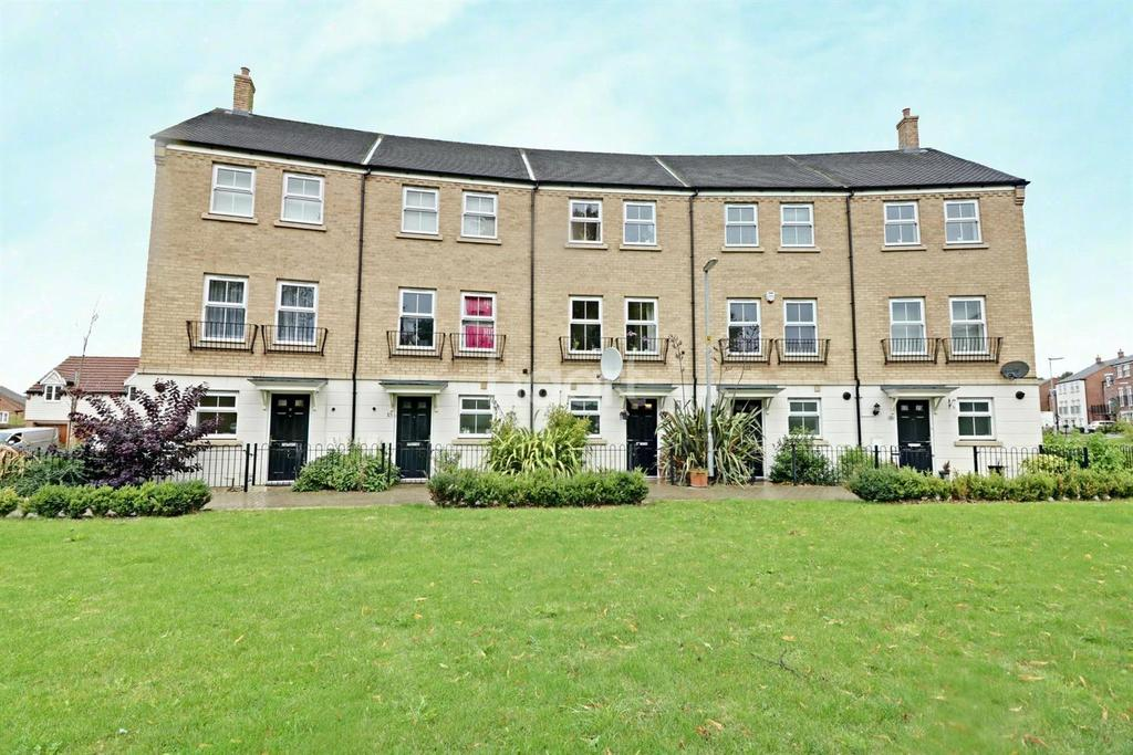 4 Bedrooms Terraced House for sale in Alabaster Avenue, LU5