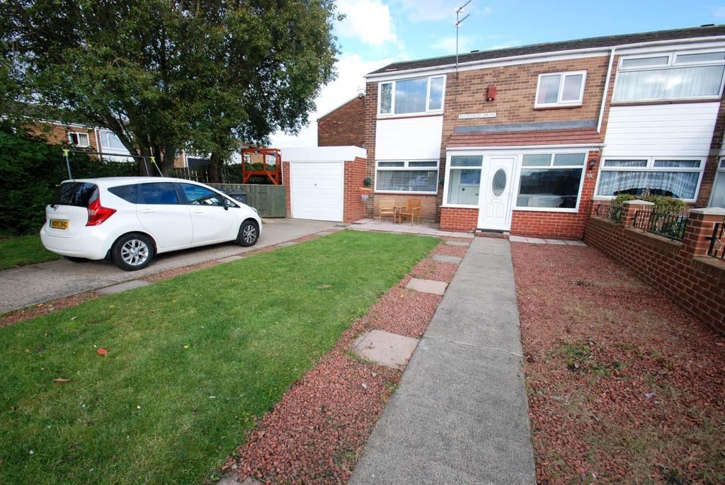 3 Bedrooms Semi Detached House for sale in Masefield Drive, South Shields