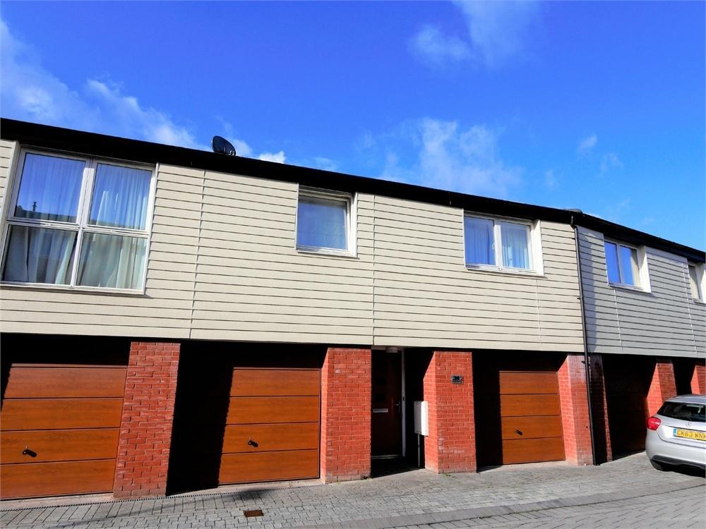 2 Bedrooms Flat for sale in St Josephs Mews, Penarth