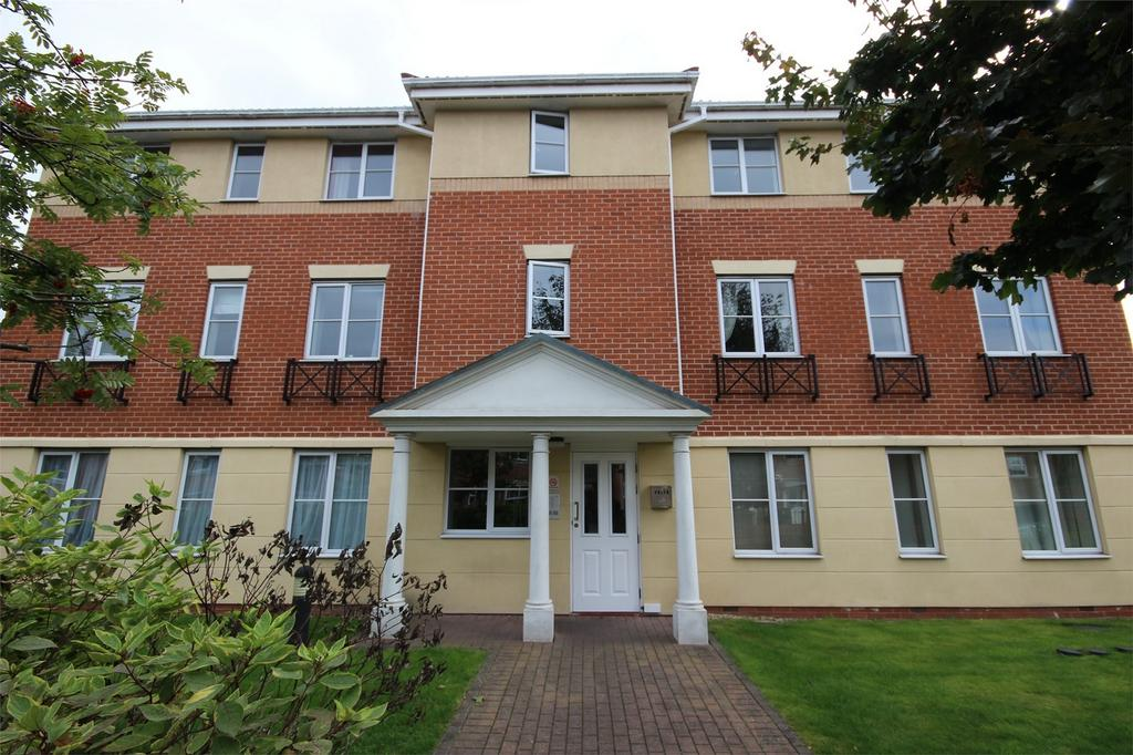 2 Bedrooms Flat for sale in King Street, CRADLEY HEATH, West Midlands
