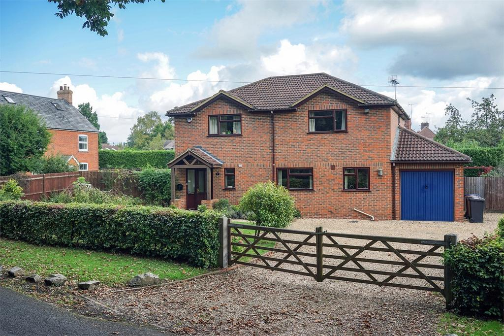 4 Bedrooms Detached House for sale in Wrecclesham, Farnham, Surrey