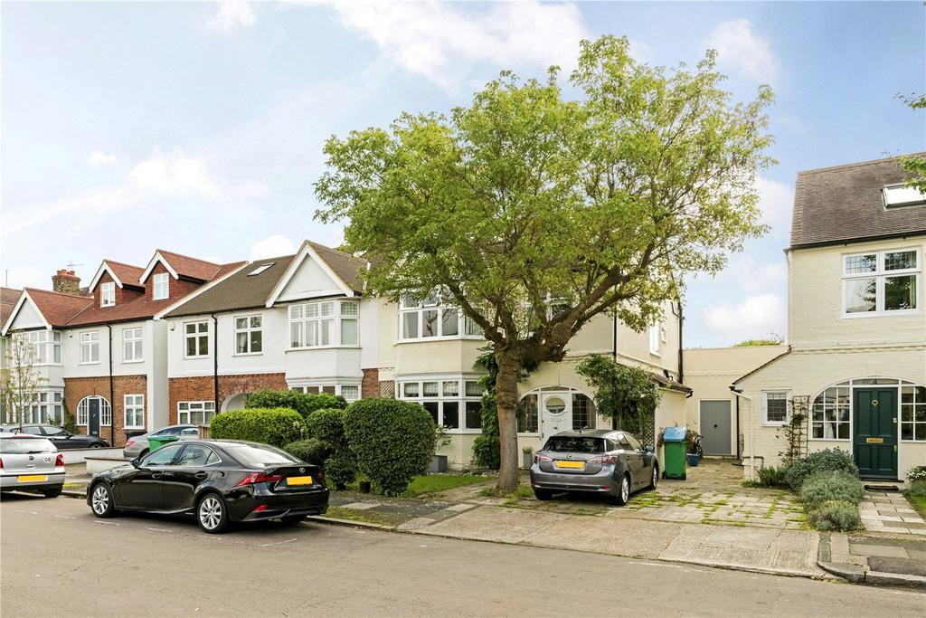 4 Bedrooms Semi Detached House for sale in Charlotte Road, Barnes, London, SW13