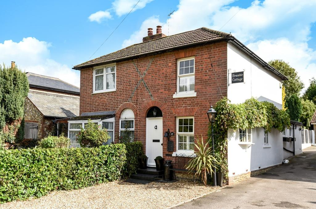 2 Bedrooms Semi Detached House for sale in Havant Road, Horndean, PO8