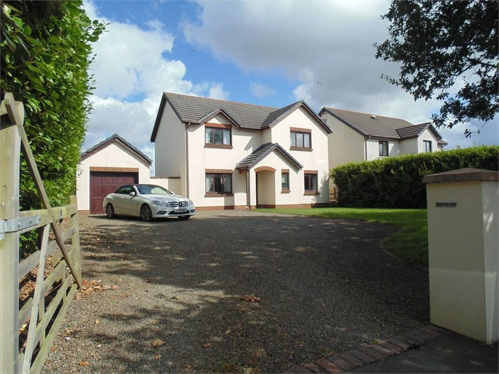 4 Bedrooms Detached House for sale in 33 Pill Road, Hook, Haverfordwest, Pembrokeshire