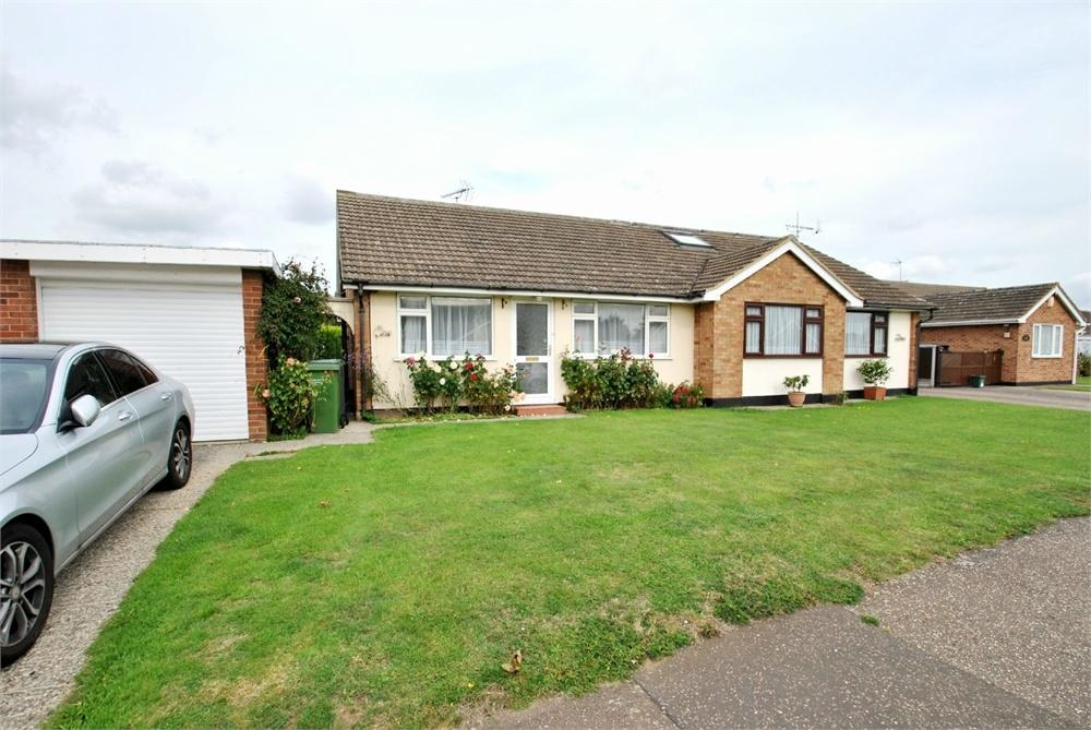 2 Bedrooms Semi Detached Bungalow for sale in Heycroft Drive, Cressing, BRAINTREE, Essex