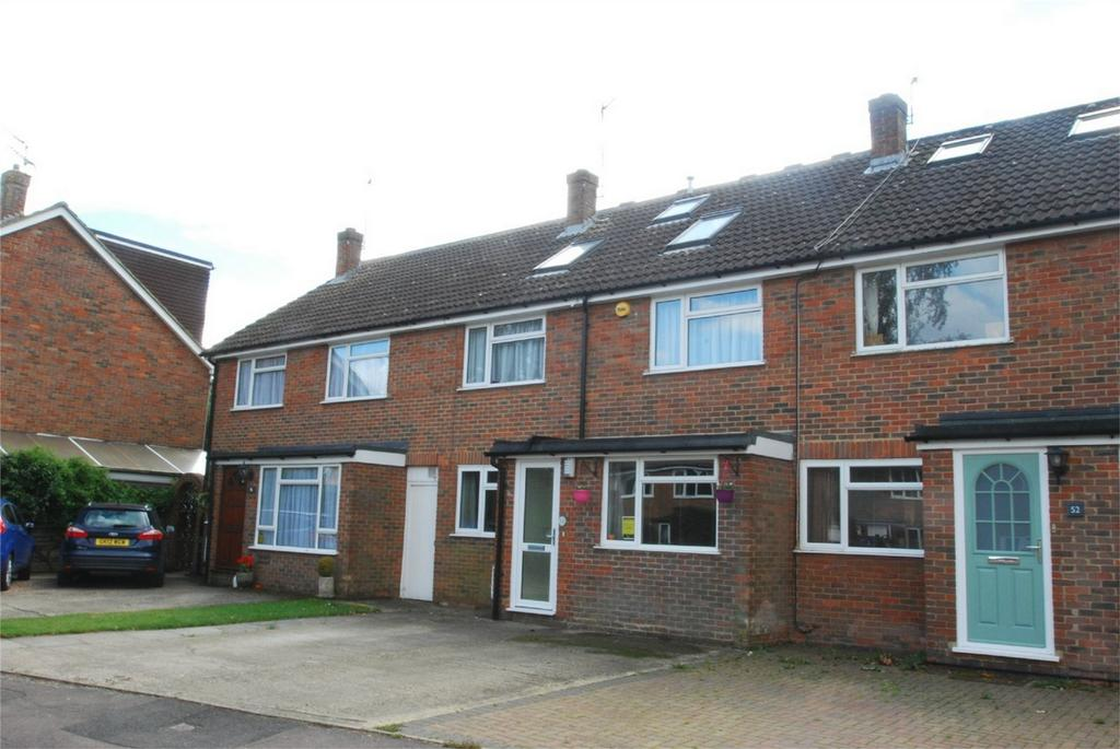 5 Bedrooms Detached House for sale in Kingswood
