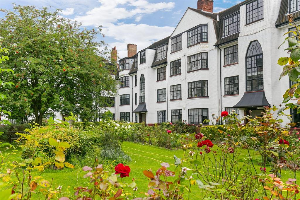 3 Bedrooms Flat for sale in Leigham Avenue, Streatham, SW16