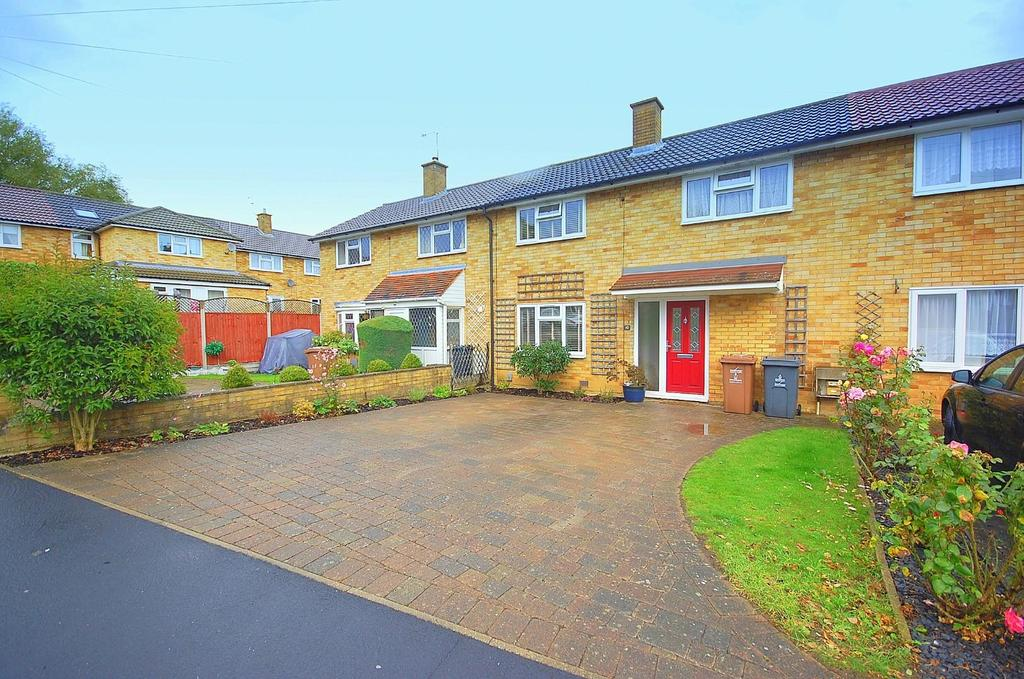 3 Bedrooms Terraced House for sale in Unwin Road, Stevenage