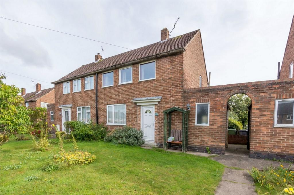 2 Bedrooms Semi Detached House for sale in Bramham Road, YORK