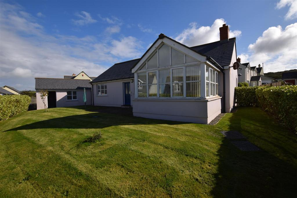 2 Bedrooms Detached Bungalow for sale in Broad Haven