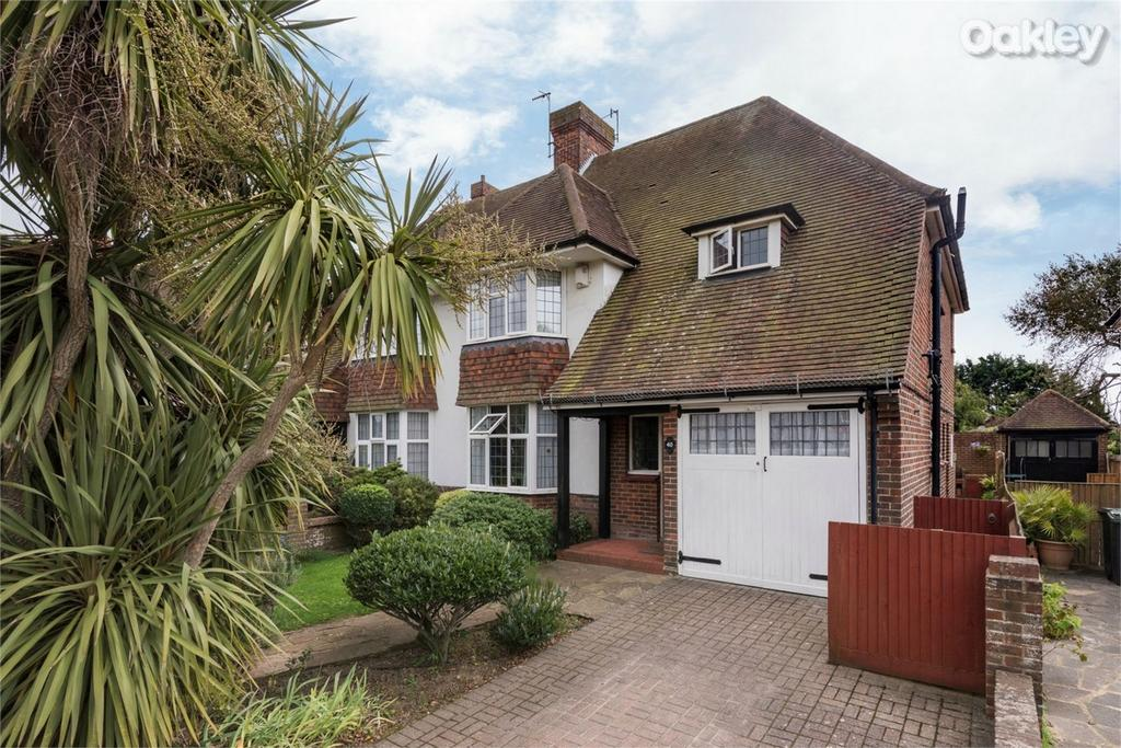 4 Bedrooms Semi Detached House for sale in Croft Avenue, Southwick, West Sussex