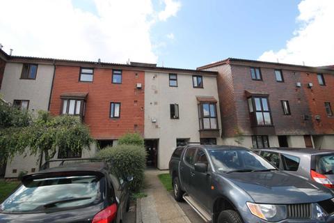 1 bedroom flat for sale - Derwent Road, London