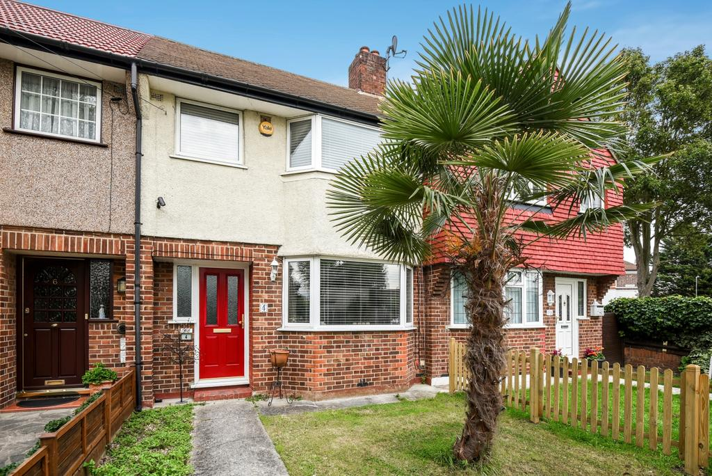 3 Bedrooms Terraced House for sale in Berwick Crescent Sidcup DA15