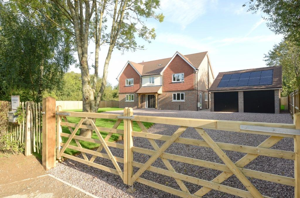 5 Bedrooms Detached House for sale in Gatehouse Lane Goddards Green West Sussex BN6