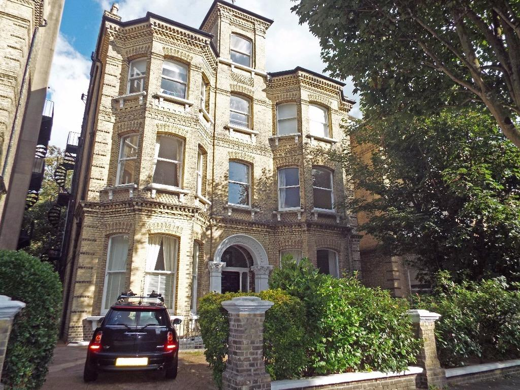 2 Bedrooms Flat for sale in The Drive Hove East Sussex BN3