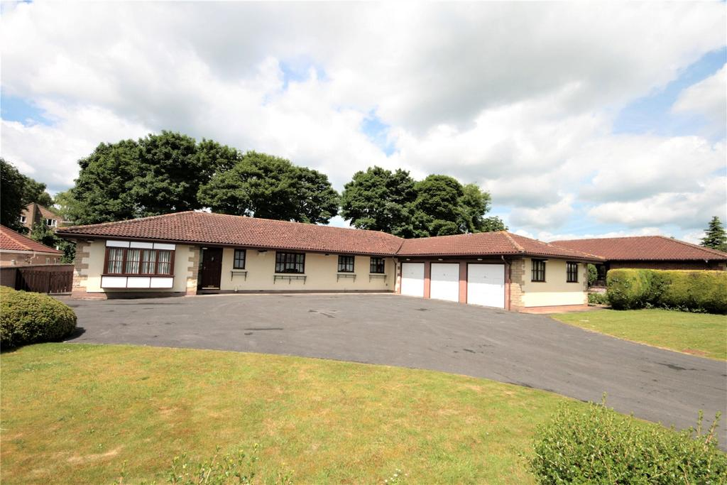 4 Bedrooms Detached Bungalow for sale in Villa Close, Branston, LN4