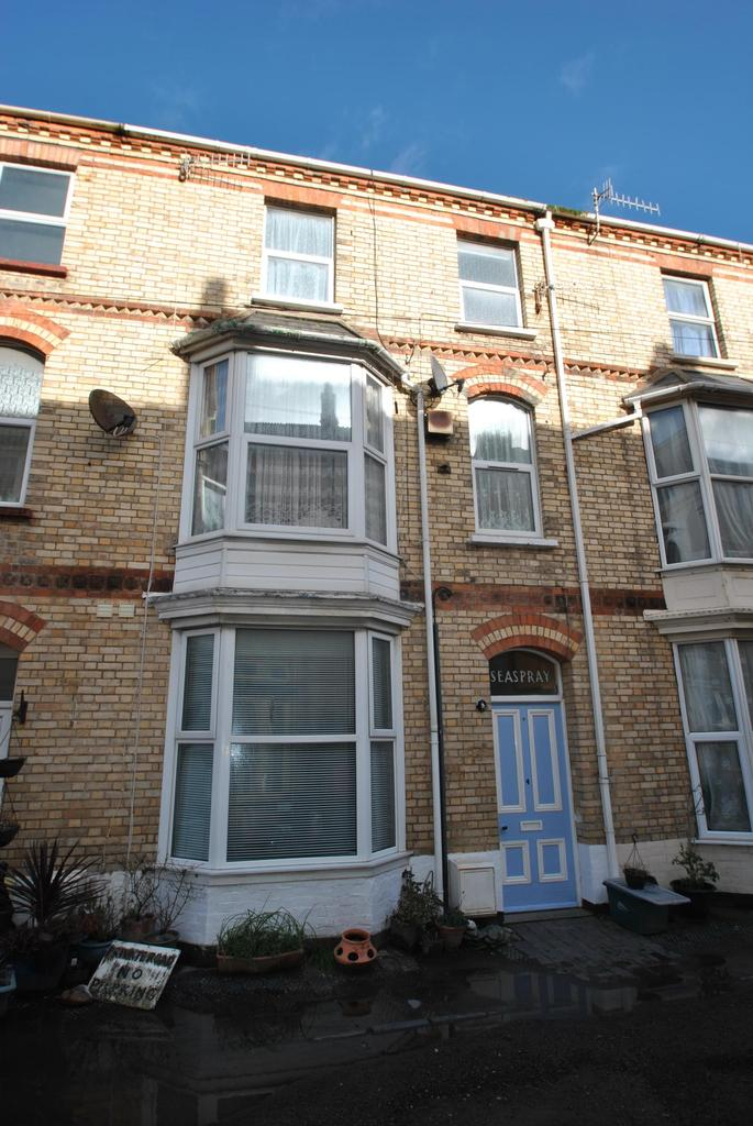 1 Bedroom Flat for sale in Gilbert Grove, Ilfracombe