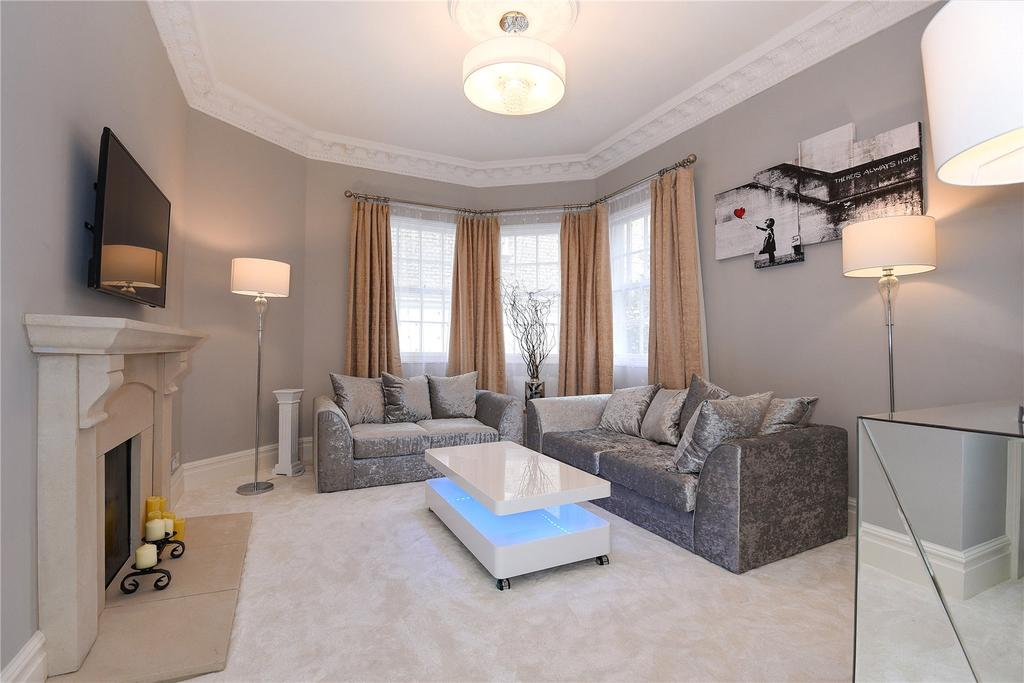1 Bedroom Flat for sale in Gloucester Road, South Kensington, London