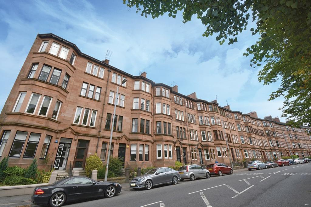 2 Bedrooms Apartment Flat for sale in 103 Broomhill Drive, Broomhill, G11 7NA