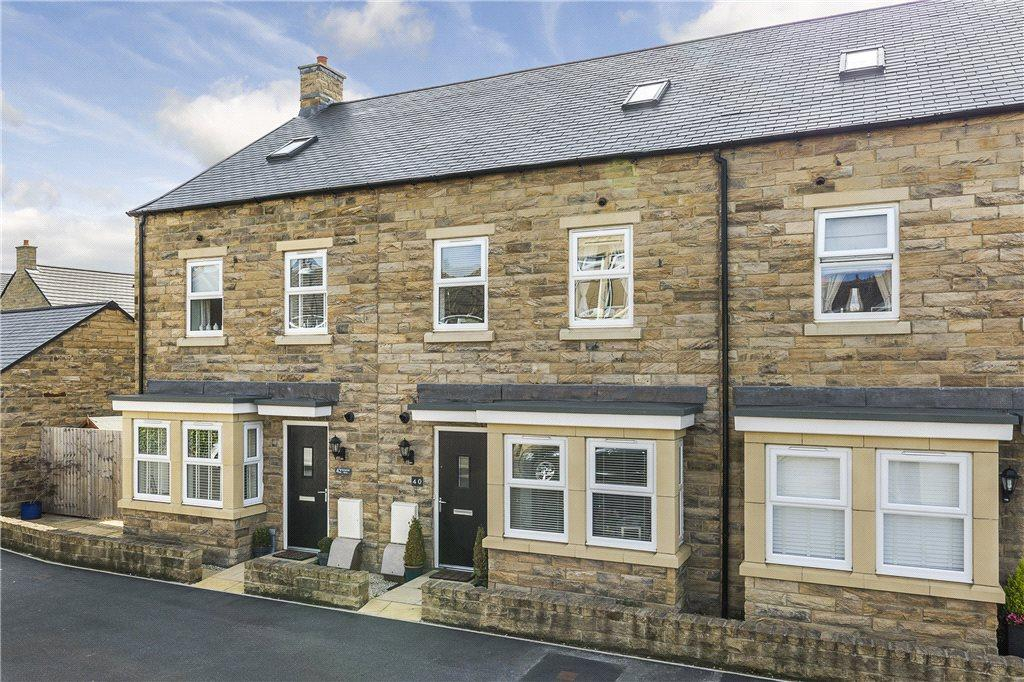 4 Bedrooms Terraced House for sale in Springfield Road, Guiseley, Leeds, West Yorkshire